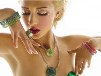collane e anelloni Plexiglass e swarovski